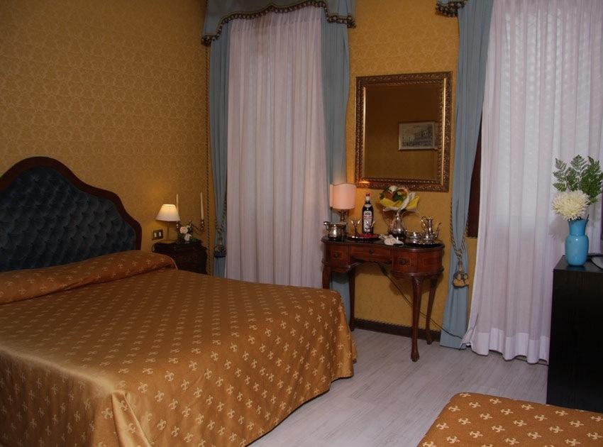 Hotel Murano Rooms