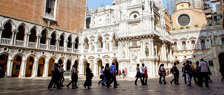 The highlights  – St. Mark to Rialto with a venetian licensed guide