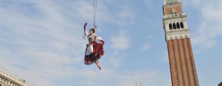 Venice Carnival 2014 – Flight of the Angel