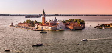 TRANSFER FROM VENICE PIAZZALE ROMA  TO TREVISO AIRPORT  WITH PRIVATE CAR AND DRIVER