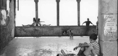https://en.venezia.net/wp-content/uploads/2021/02/Henri-Cartier-Bresson-376x180.jpg